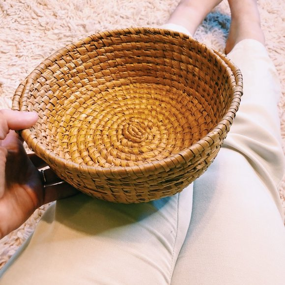 Vintage Other - Vintage Round Wicker Coffee Table Basket w/ Handle